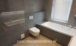 stukadoor-stucadoor-stiens-beton-cire-aanbrengen-waterdicht-stukwerk-stucwerk-badkamer-peter-jansen_2
