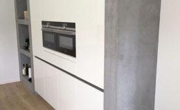 stukadoor-stucadoor-stiens-beton-cire-aanbrengen-waterdicht-stukwerk-stucwerk-keuken-peter-jansen_2